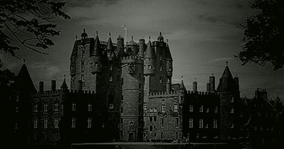 The ancestral home of the Earls of Strathmore, Shakespeare chose Glamis Castle as the setting for 'Macbeth'.