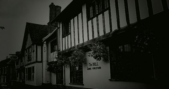 The ghost of Richard Evered, murdered in the hotel back in 1648 is rumored to still haunt the hotels halls and corridors.